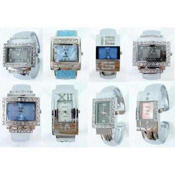 Gemischter Posten von edlen Damen Uhren mit Strass Steinen