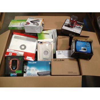 Kleinelektronik Mischkartons Markenprodukte (Speichermedien, Router, Ports, Lader, Tastaturen, Lautsprecher, Handys usw.)