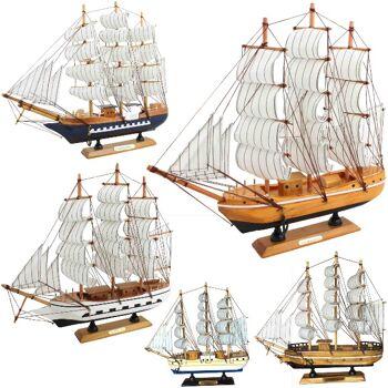 Deko Segelschiffe aus Holz, 32cm Länge, verschiedene Modelle