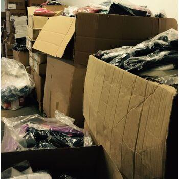 Palettenware LKW Container Bekleidung Textilien Schuhe Restposten 10.000 Stk.