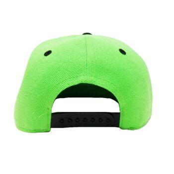 Grüne Hysteresenkappen mit Stickerei und Lippendruck