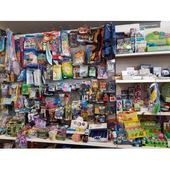 Spielwaren Posten, Puppen, Spielsets, usw. ALLES NEUWAREN, Hammerpreis