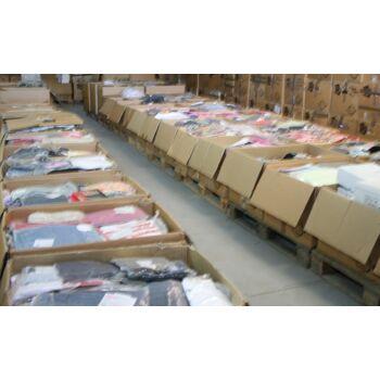 Neuware 1 € /St., Posten 7.000 St. Kleidung Textilienmix Damen u. Herrenbekleidung Sonderposten Restposten Palettenware Kleider
