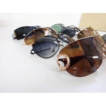'Si sunglasses' - verschiedene Sonnenbrillen für Männer und Frauen