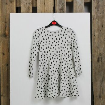 H&M clothes for women, men and kids at wholesale price
