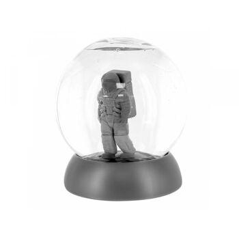 Astronaut Brainteaser PLDPP4595