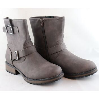 Pallet Deal – Boots and Shoes for Women