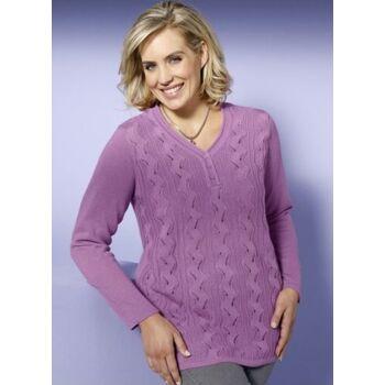 Pullover mit streckendem Längsstrick- und Ajourmuster