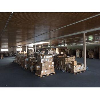 Großposten PKW & LKW Ersatzteile sowie Serviceparts, Bremsen, Scheibenwischer, Pflegeprodukte, Sicherungen, Birnen. Ca. 450.000 Stk.