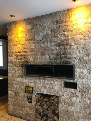 Pizza Station bestehend aus Pizza Ofen Marana Forni, verschiedene Kühlmöbel, Unterschränken und Granit Arbeitsplatte