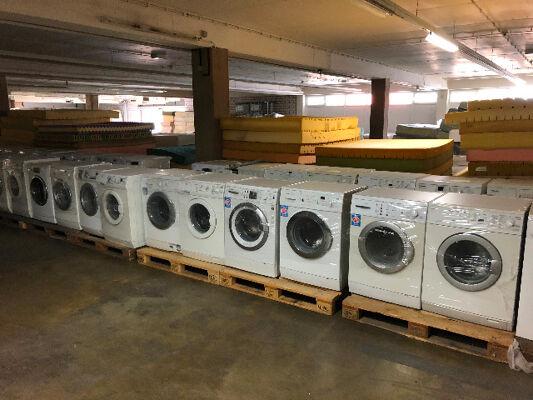 Waschmaschinen Sonderposten kontrolliert Weiße Ware