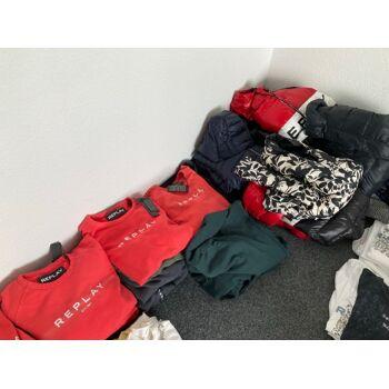REPLAY Restposten Mischposten Herren Damen Jeans Sweatshirts T-Shirts Schuhe Accessoires - aktuelle Saison