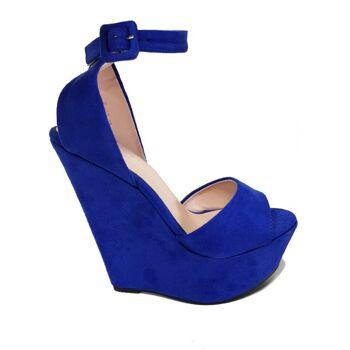 Blaue Sandalen aus Wildlederimitat mit Keilabsatz - Damenschuhe