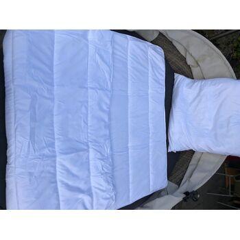 Bettenset bestehend aus Einziehdecke 135x200cm und Kopfkissen 80x80 cm , 100 % Polyester